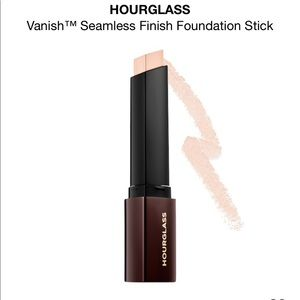 NWT hourglass Vanish Seamless Finish Foundation